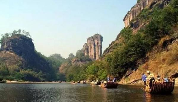 泉活森林公园位于重庆市万州区龙宝九池乡景区面积1.5平方公里.