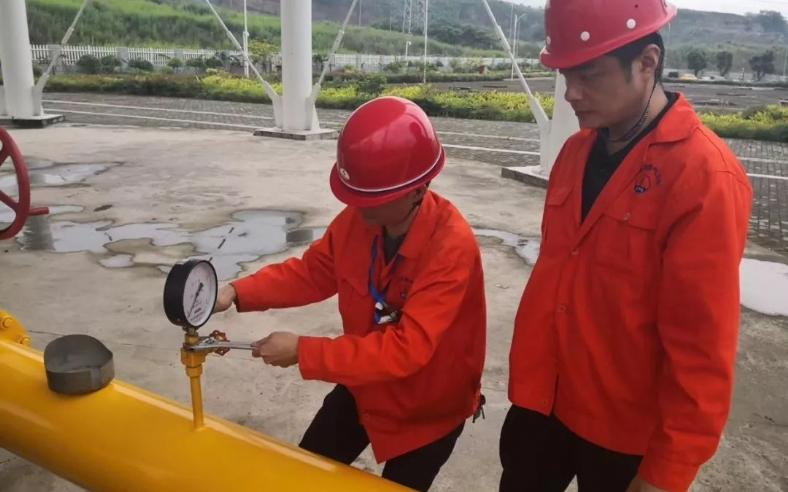 2019年5月29日至30日,重庆万州燃气有限公司燃气输配场站工技能竞赛在桐元储配站隆重举行。