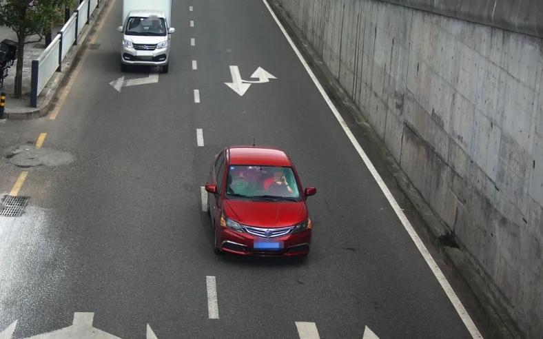 """1224件!万州严查""""开车打手机""""等妨碍安全驾驶违法行为"""